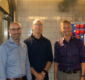 Per Hellström och Christer de Wahl från Elektroskandia tillsammans med Mika Laitinen från Securiton.